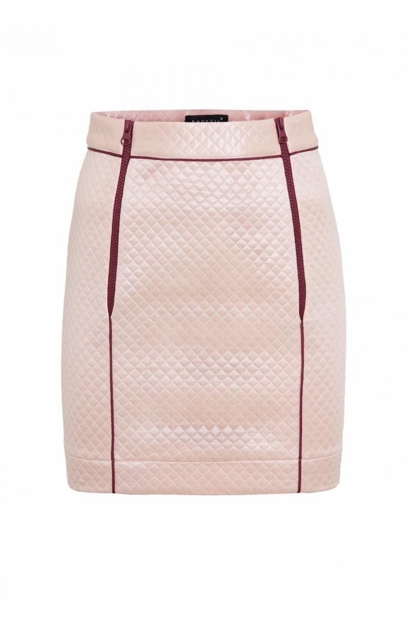 Falda corta con cremalleras de plástico de color rosa