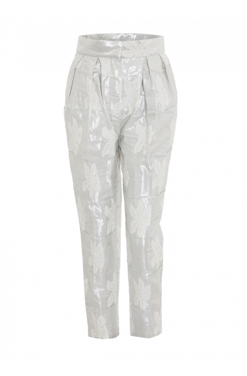 Silberne Hose mit hoher Taille