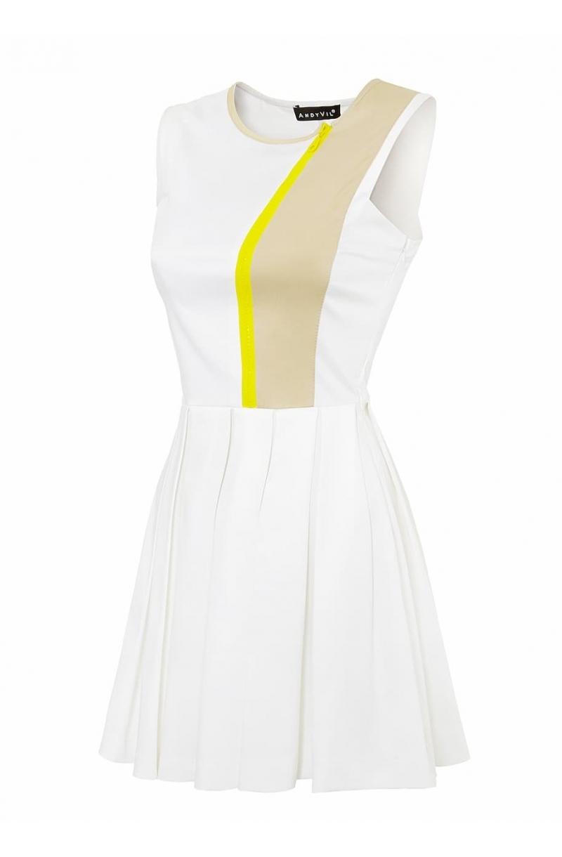 Vestido corto plisado de algodon y de color blanco