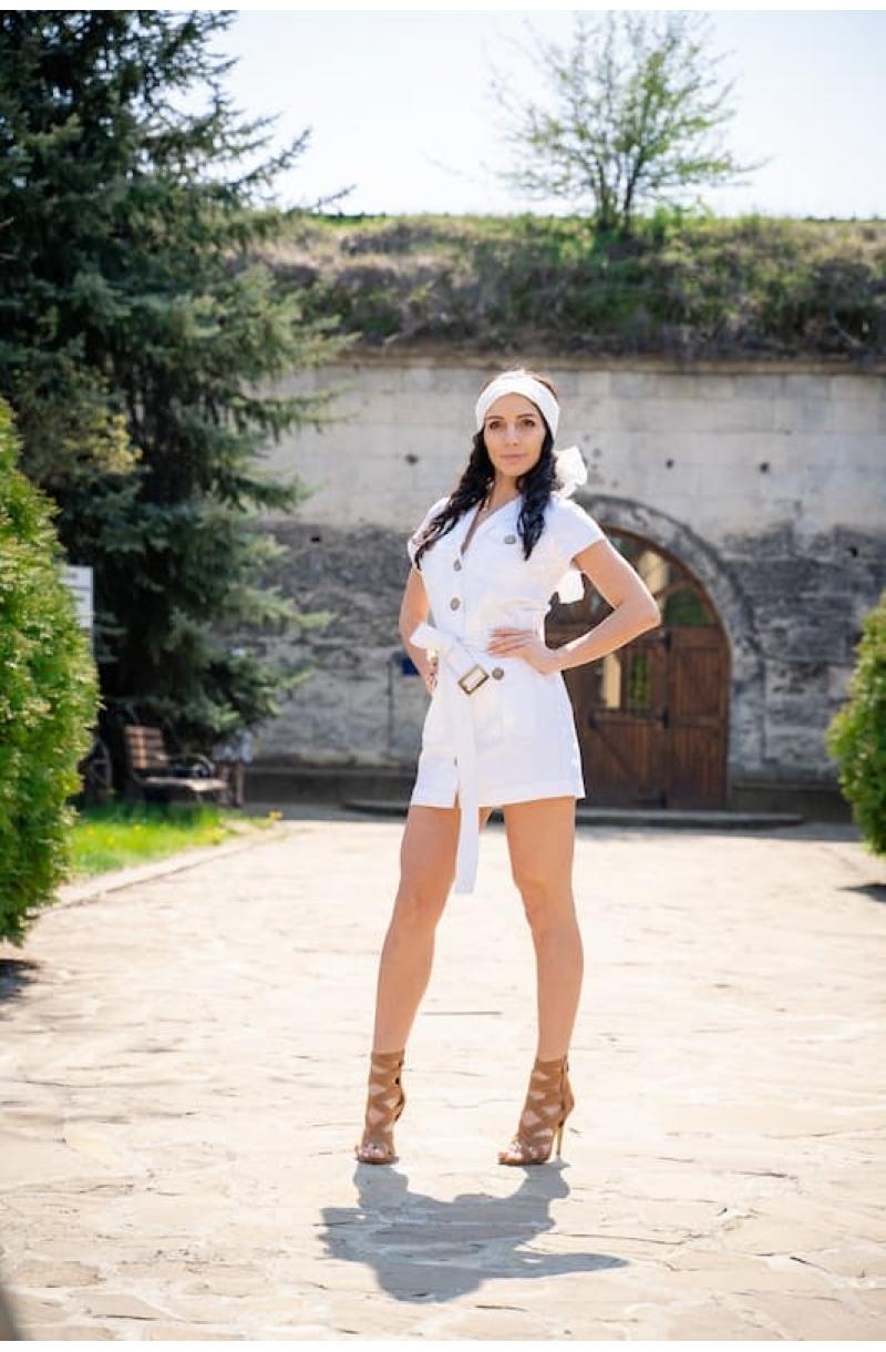 Short cotton dress in white color