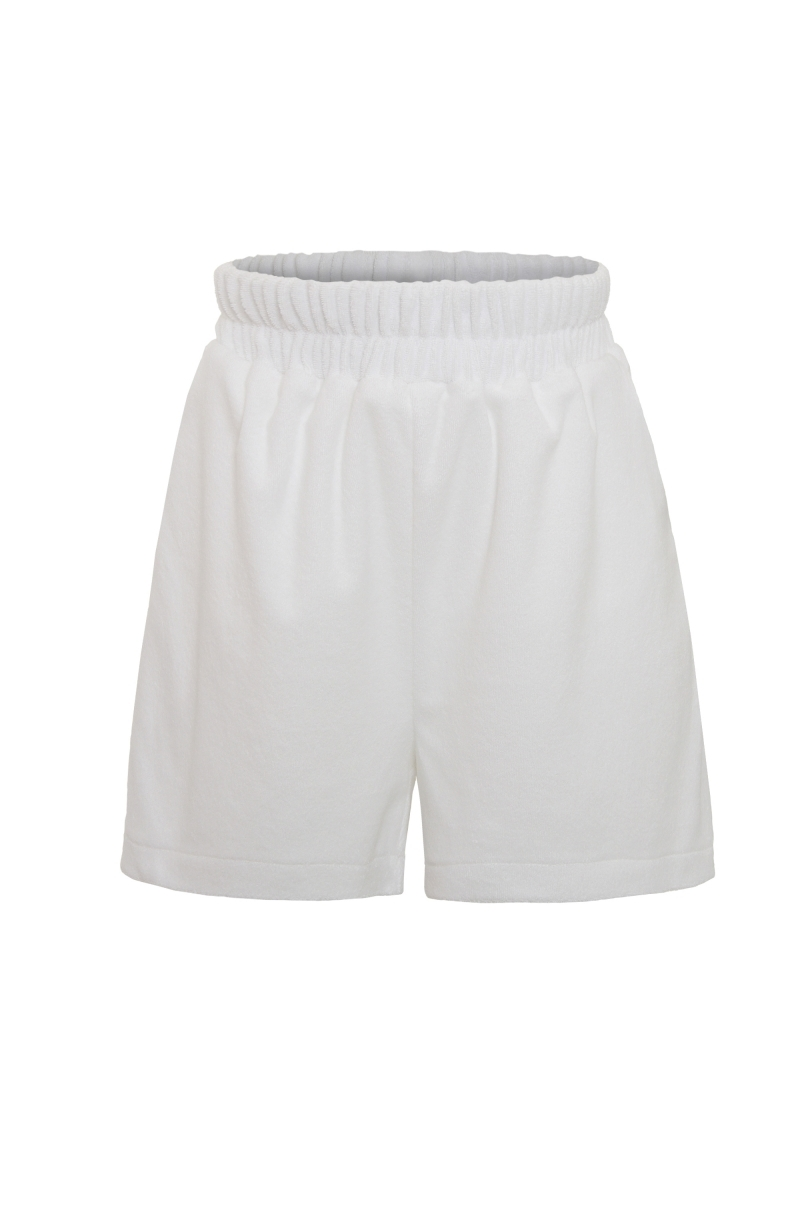 Pantalones cortos de toalla en blanco