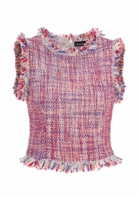 Short boucle top with fringes on the edges