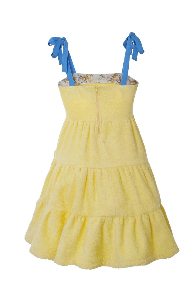 Къса рокля с волани от хавлиен плат в бледо жълт цвят