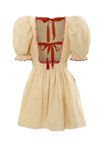 Short terry cloth dress with bare back in peach