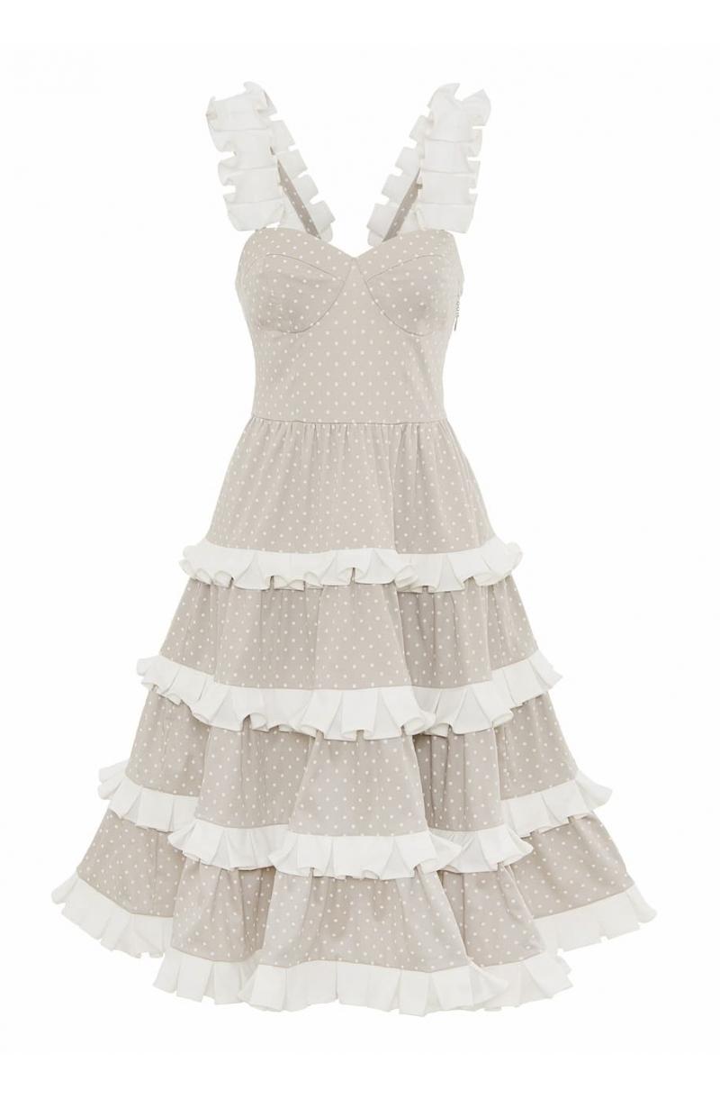 Бежова рокля от памук със средна дължина и воали