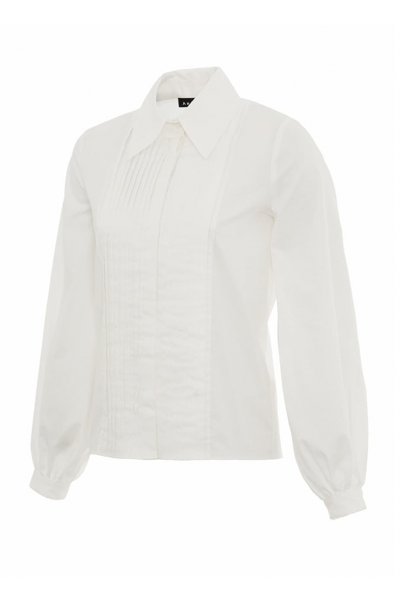 White cotton shirt with big sleeves