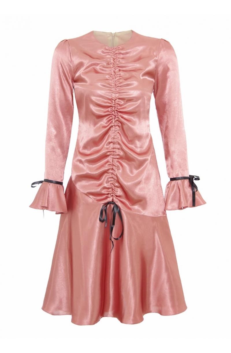 Сатенена рокля със средна дължина